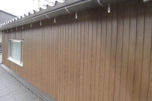 木目調トタン板壁 画像