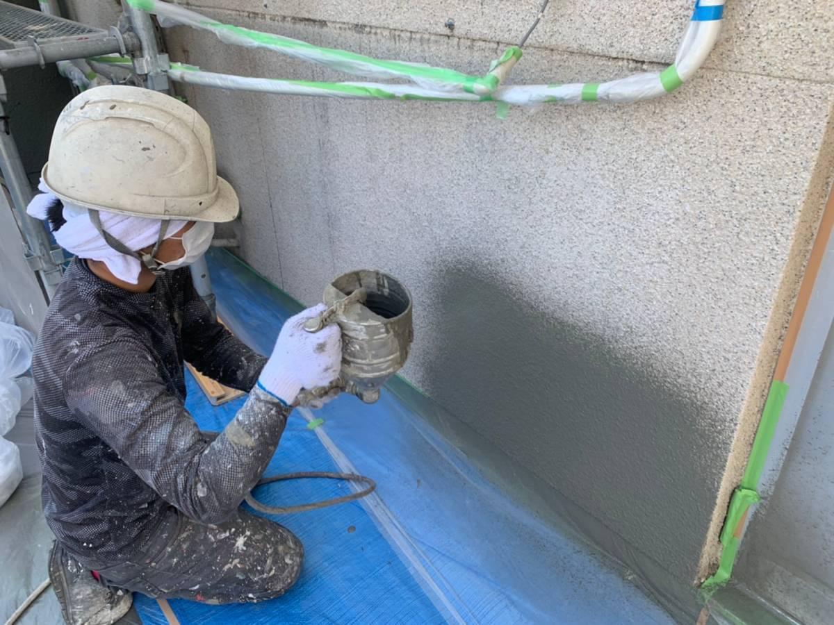 岐阜県岐阜市M様邸 外壁吹付け下塗り施工写真