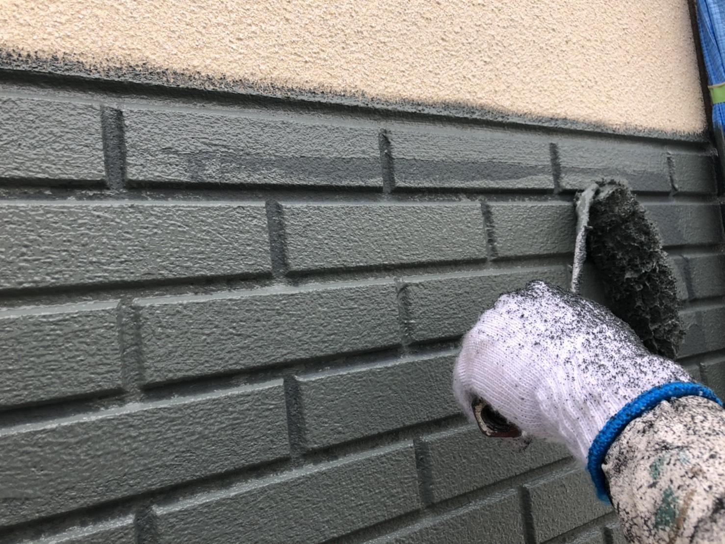 外壁上塗り2回目 施工写真