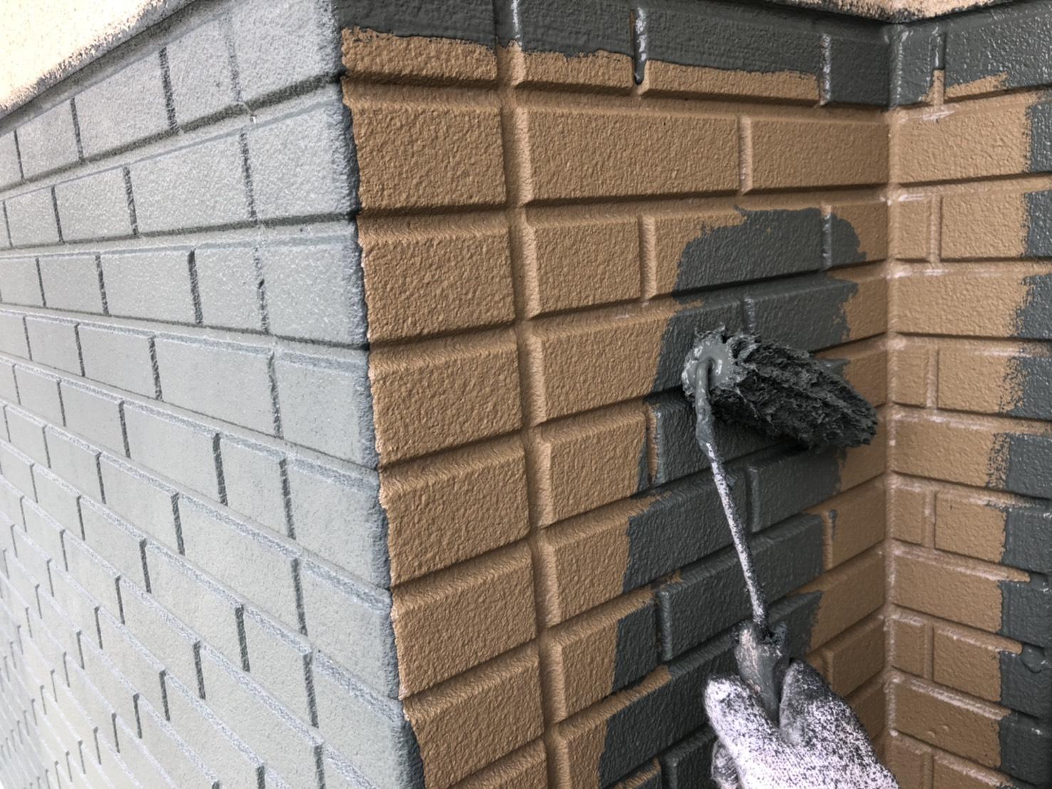 外壁上塗り 1回目 施工写真