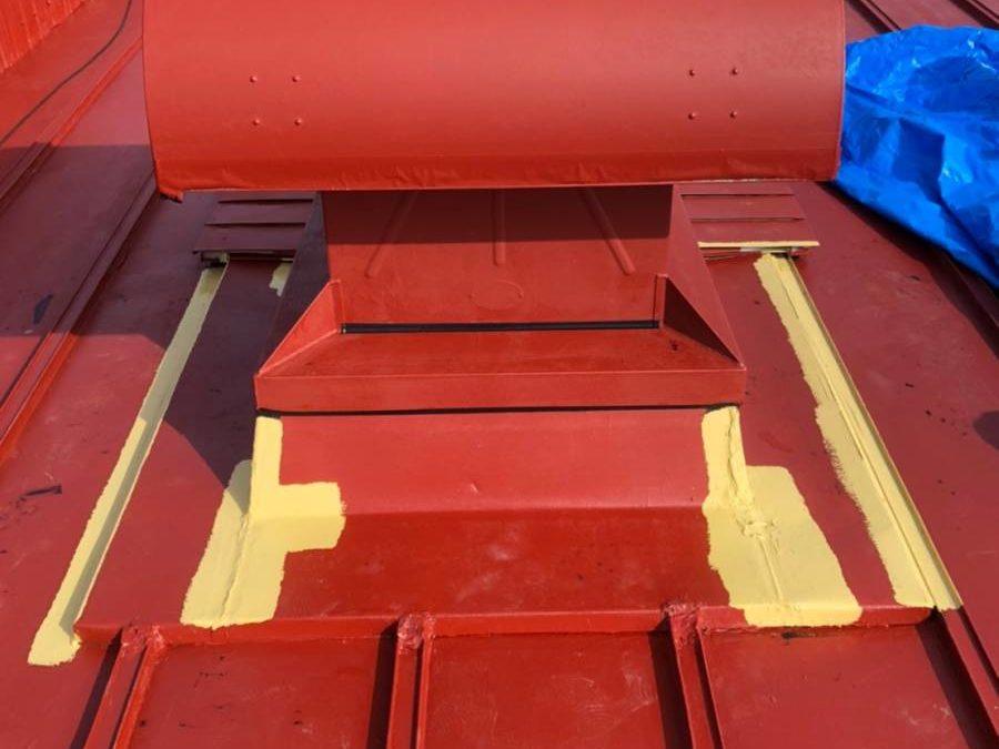 屋根板金 防水シート施工