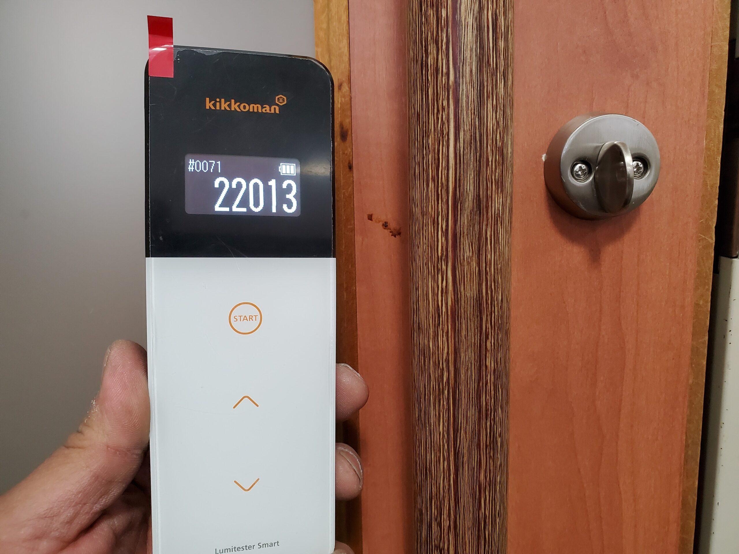 施工前玄関ドアノブ細菌測定