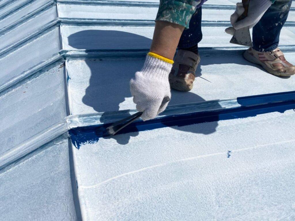 屋根トップ刷毛塗装