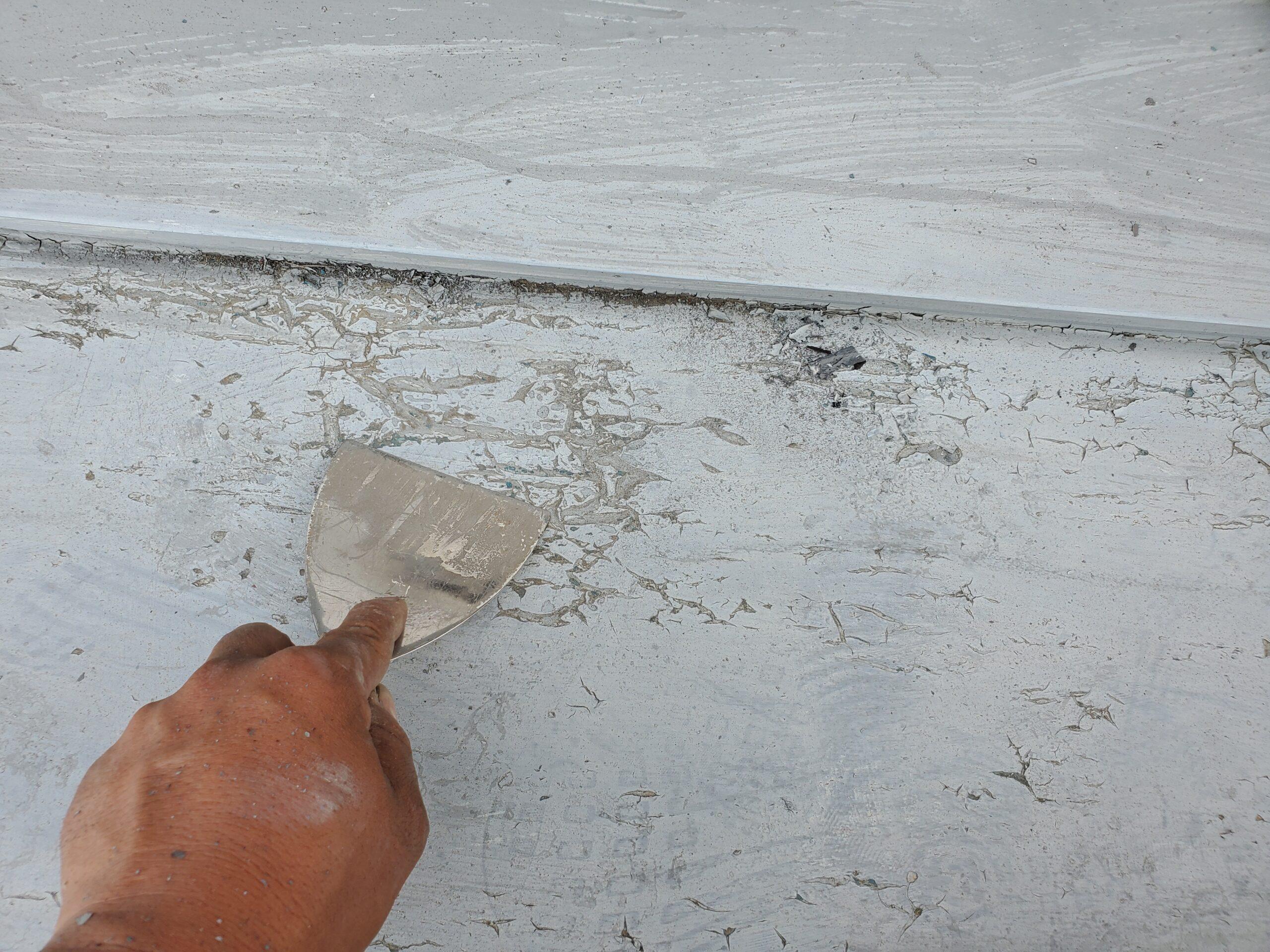 屋根板金 ケレン作業写真