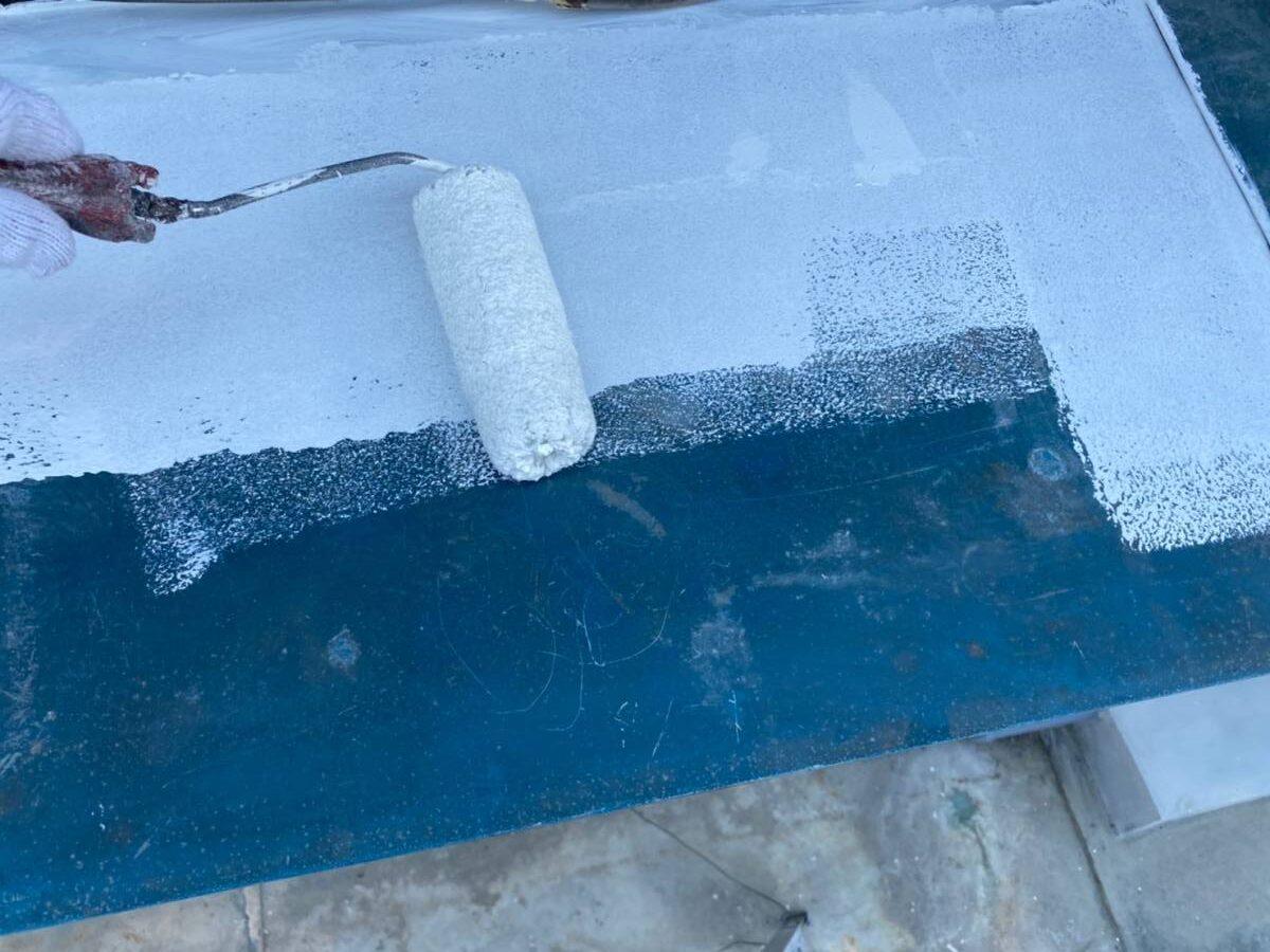 小庇塗装 下塗り施工写真